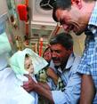 溺亡的3岁男童被父亲带回国下葬