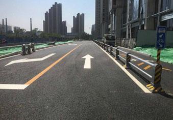 济南首条公交专用道路竣工