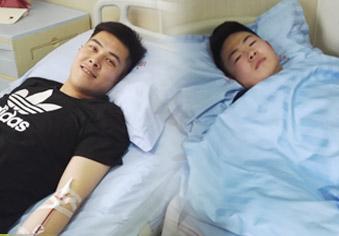 俩小伙同日捐髓 挽救另两个年轻生命