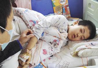 7岁男孩患M5型白血病急需A型血小板