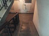 32岁男子疑地下室烧炭自杀