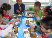 济南市中区公布424家合规小饭桌