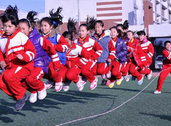 山东:初中小学每周至少3节体育课