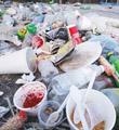每天外卖2000万份 天量垃圾怎么办
