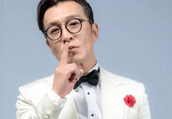 著名主持人李咏因癌症去世 年仅50岁