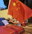 香港的士司机挂国旗促稳定