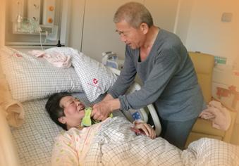 67岁产妇恢复良好 出院时间待定