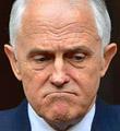 逼宫者也遭逼宫 澳总理黯然下台