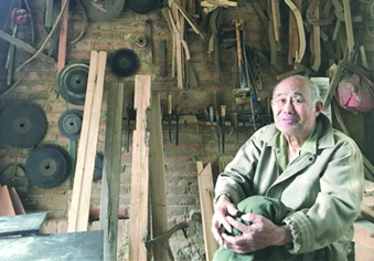 寻传人的老木匠