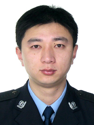 http://www.readmeok.com/upimg/张骞4/00000000000/34%20战疫卫士%20解波.jpg