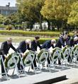 G7外长向广岛核爆慰灵碑献花