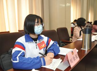 青年师生代表首次列席济南政协会议