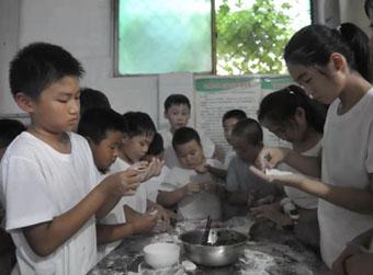 济南孩子住进菏泽留守儿童学校