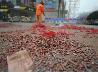 春节半数警力上街禁鞭