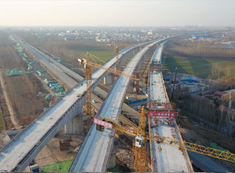 济青高铁线下工程贯通