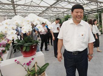 王传喜:苦干19年带领贫困村蝶变